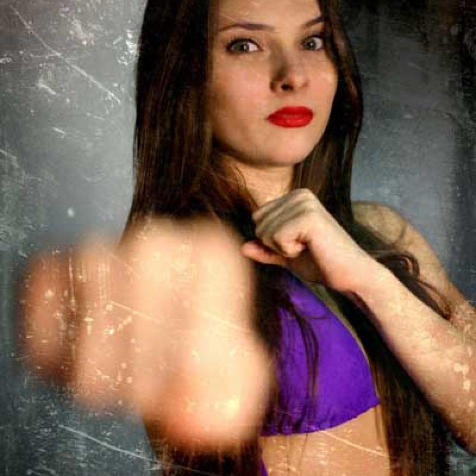 Kelly VS Anna Preview 007