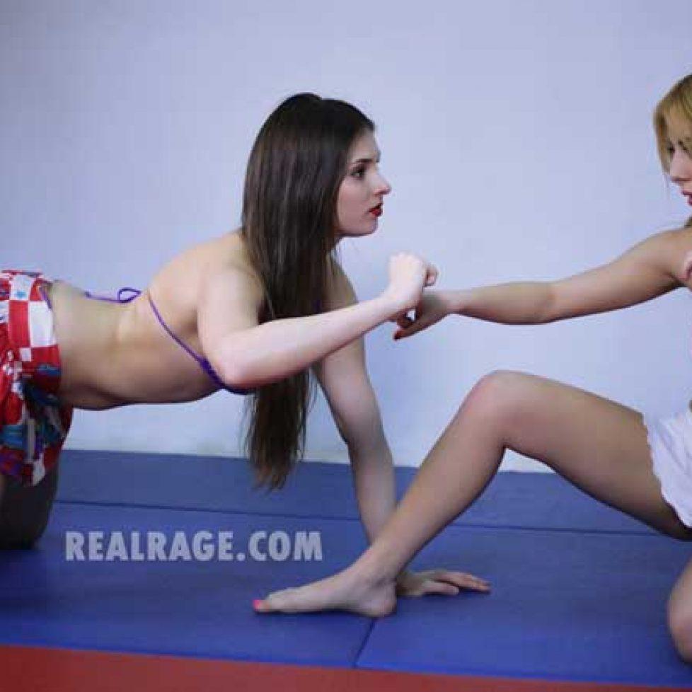 Kelly VS Anna Preview 015