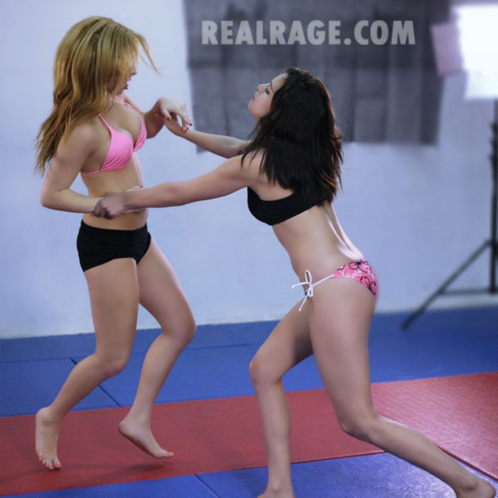 Kelly_VS_Jessica_Preview 40